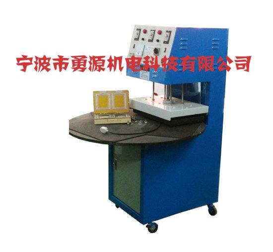 及布料均可加工焊接,设备广泛于服装行业,汽车行业,电子行业,,精密金