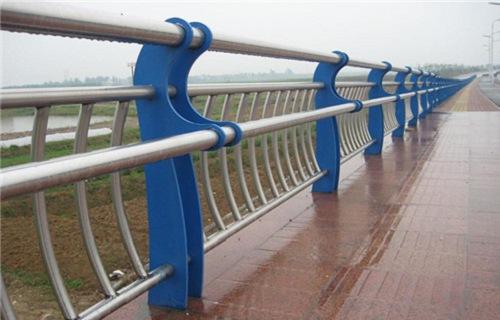 什么是不锈钢复合圆管.定义是什么.什么是不锈钢复合圆管.