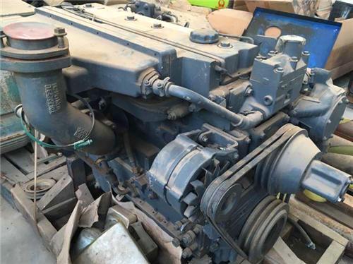 卡特cat柴机进,排气阀检修.1.清洗对进,排气阀进行清洗.2.图片