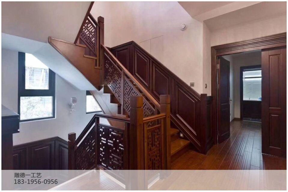 仿古实木别墅门价格,私人古建别墅木质大门,木制仿古门的造价要多少?