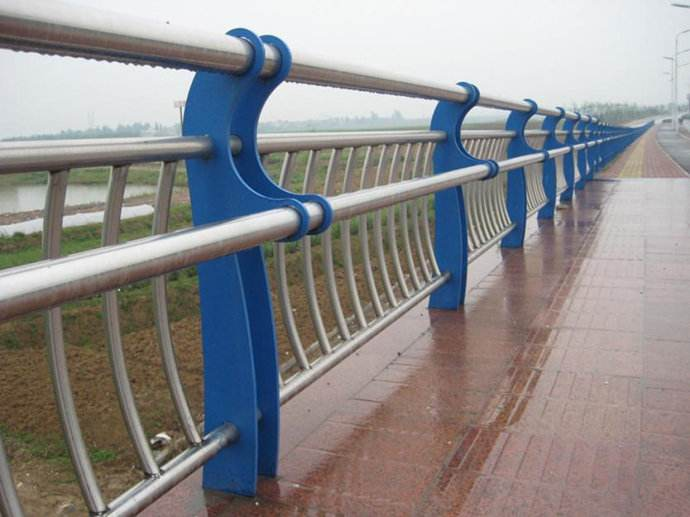 玻璃钢雕塑内部钢结构