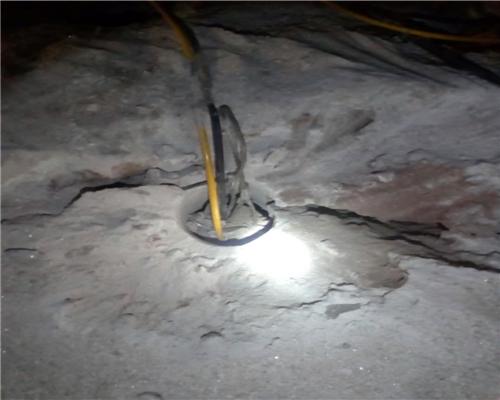 非金属矿)的二次解体;二,混凝土构件(水泥路面,机床基础,桥梁及房屋