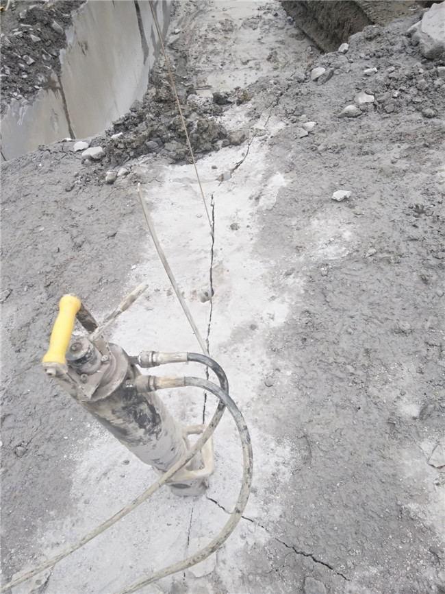吉林取代放裂石矿山开山器好不好用