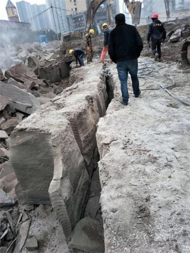 """肥城快速破石礦山開采提高產量現場工地"""""""