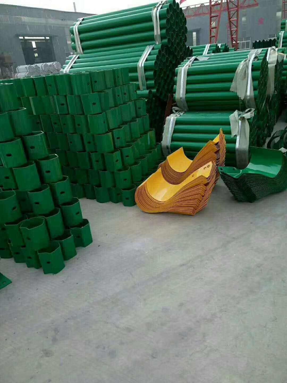 湖北十堰三波护栏板厂家包施工含运费/波形护栏实时报价
