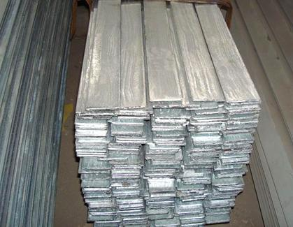 聊城热侵镀扁钢,110*12,锌层厚度60um以上