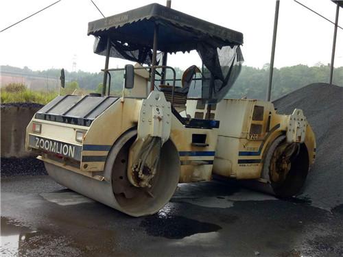 上海宝山超值的沃尔沃柴油机装载机修理图片