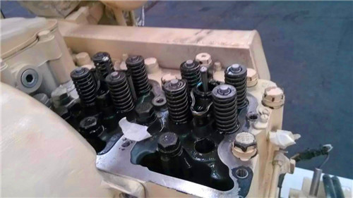 该冷却系统的增压空气直接用柴油机循环水冷却,即所谓单循环冷却系统.图片