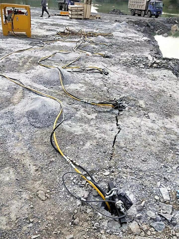 綿陽地基基樁開挖巖石設備
