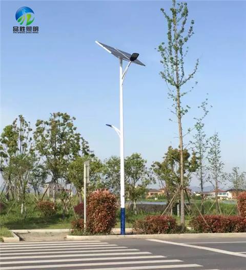 邢台柏乡县8米40瓦太阳能路灯价格表亮灯6至8小时合理