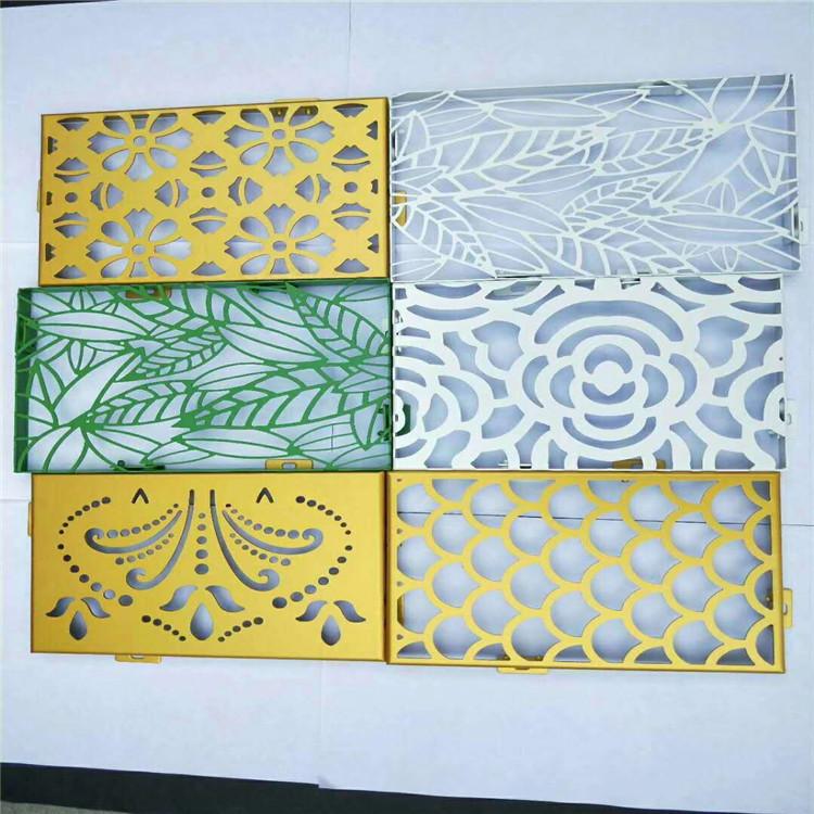 镜面板,拉丝板,磨砂板还有表面有精致花纹图案的蚀刻板等等,每种不同