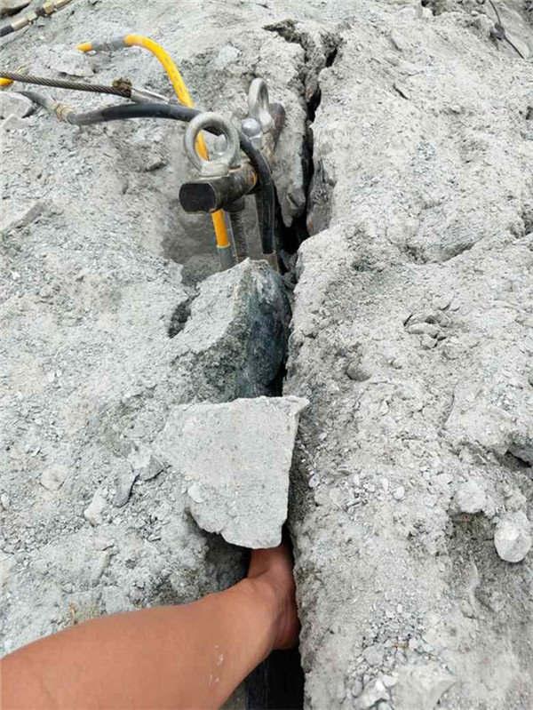 宿迁开采矿山用液压劈裂棒