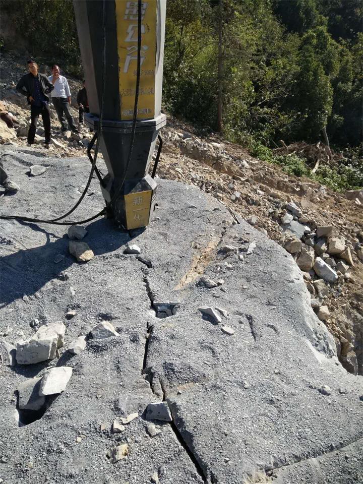 南昌:代替二氧化碳施工礦山破石機