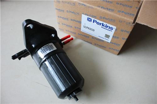 发电机提供 110 伏直流电,并由科勒采用铸铁制造的四缸水冷式汽油