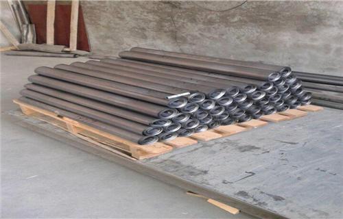 内框选用钢质骨架结构,防护层采用全粘接工艺,大大了防护性能.