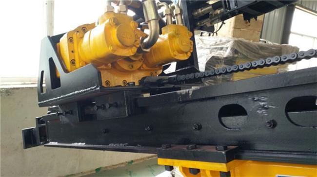 鹤岗图木舒克大型履带行走潜孔钻机图片