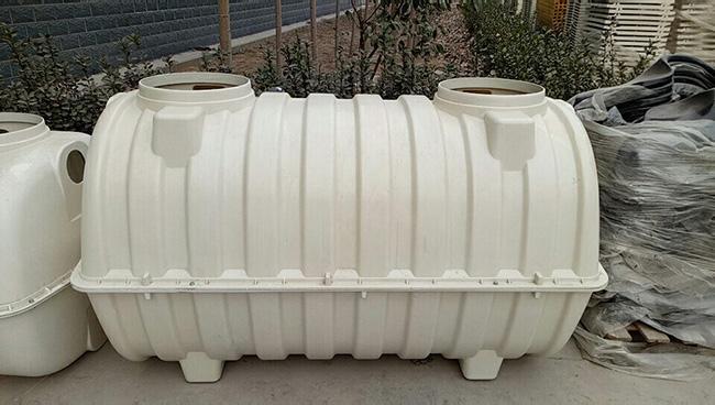 >  电工电气 > 正文  而牛进庄乡化粪池是整体安装.