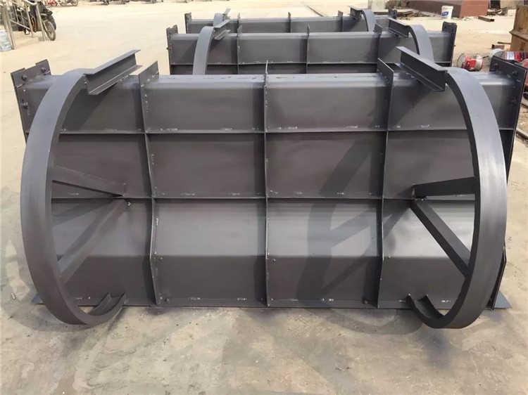 亚博:闵行混凝土隔离带钢模具施工过程