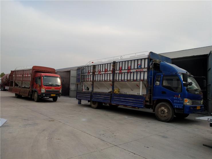 江门江海重汽豪沃散装鸡饲料罐车生产厂家销售报价