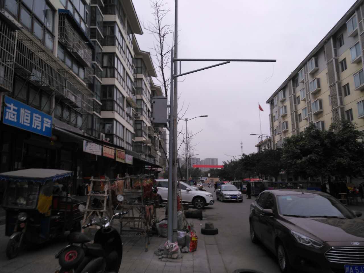 """云南省框架式红绿灯灯杆设备优良"""""""