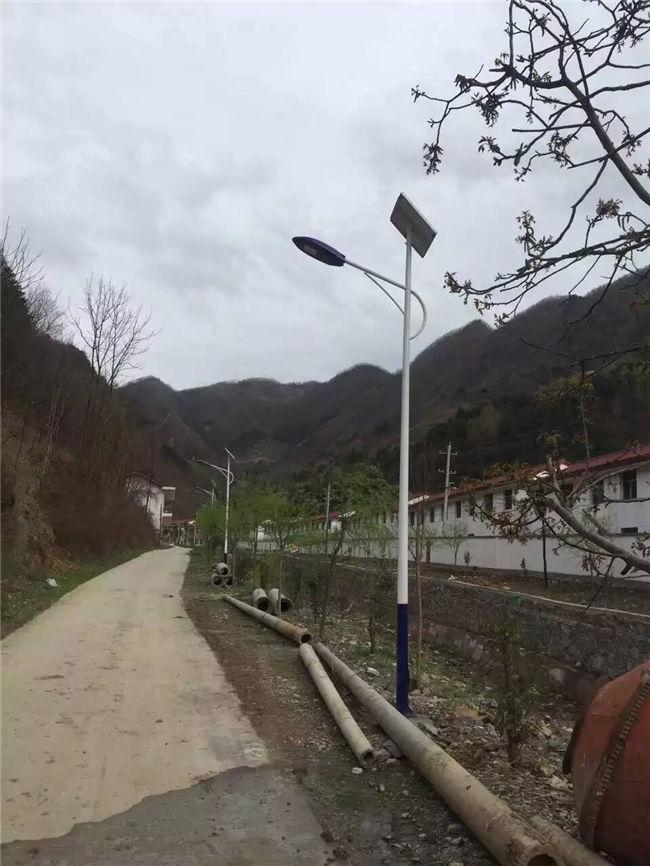 何超蓮結婚對象:中衛新農村太陽能路燈批發廠家