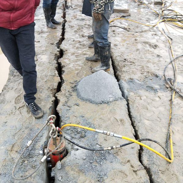 桥梁施工中的基坑开挖岩石机械一次爆裂多少方