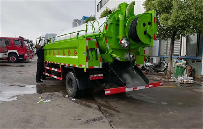 国六抽淤泥抽污水车生产厂家地址