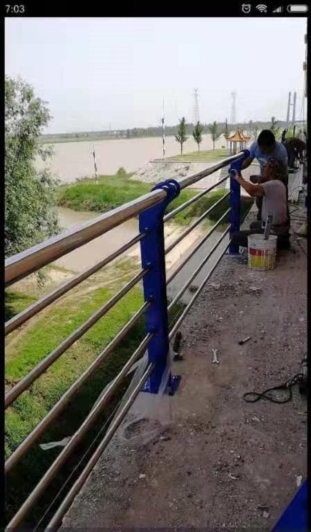 上海外面不锈钢管里面铁管生产厂家