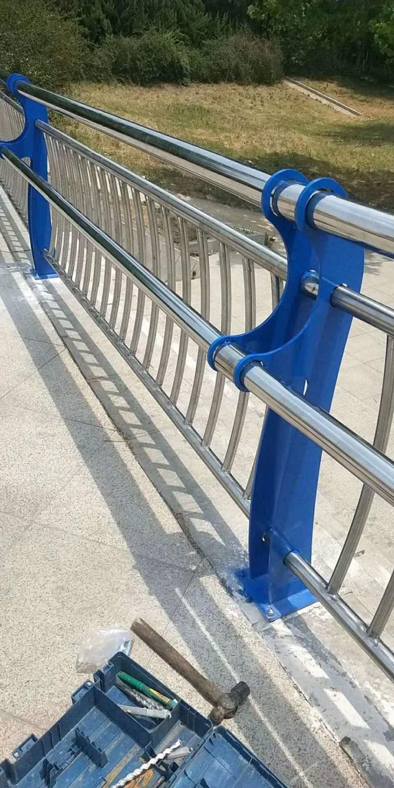 烟台市桥上人行道栏杆按照规格定做