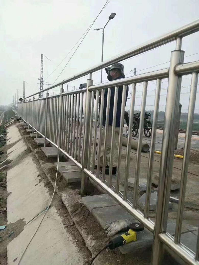 淮安市不锈钢复合管厂家销售电话