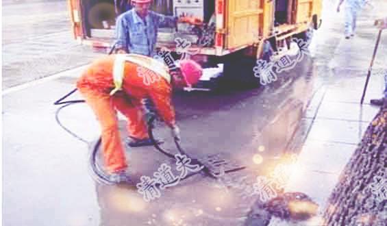 甘霖镇吸污车清理化粪池丰富的施工团队【价格低 服务好】