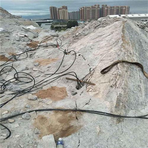 部位囹h�y�9il�aj9lc_马鞍山雨山无需放炮破石头机器视频型号混凝土机载碎石器