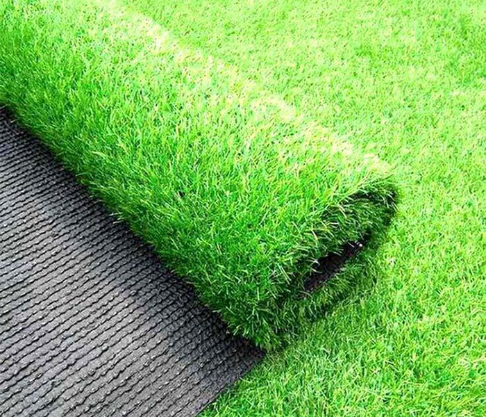 安装承诺--昆都仑围挡人造草坪厂家~铺设案例