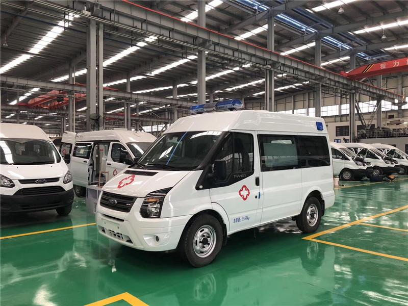 5t尼桑进口柴油发动机,现代的变速箱及传动,让东风御风紧急救护车的