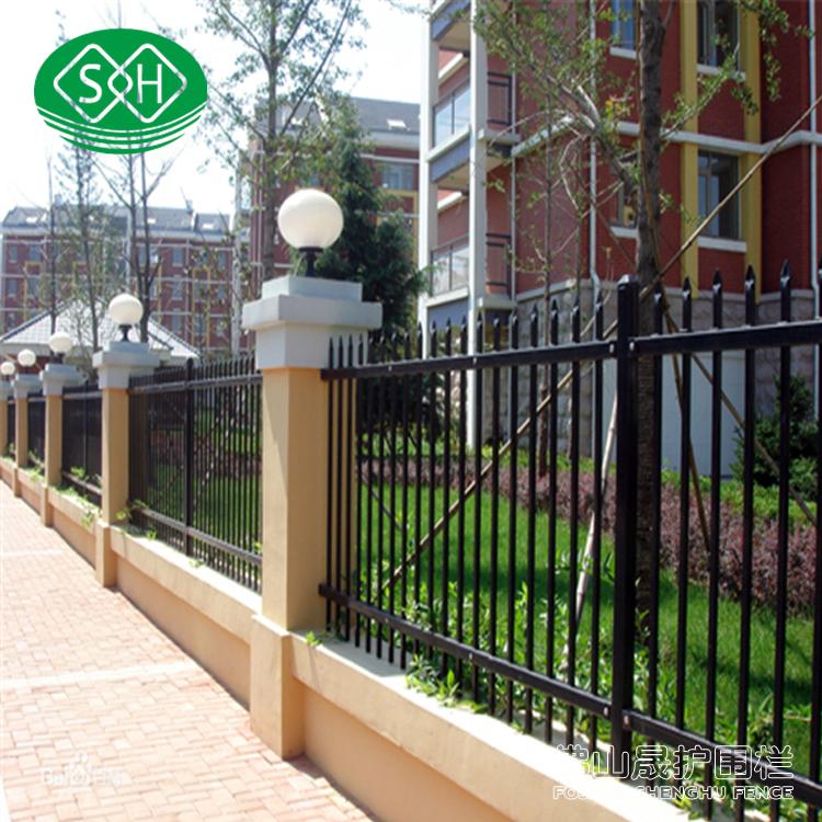 江门厂区铸铁护栏 三横锌钢栅栏加工 茂名工地围墙护栏直销