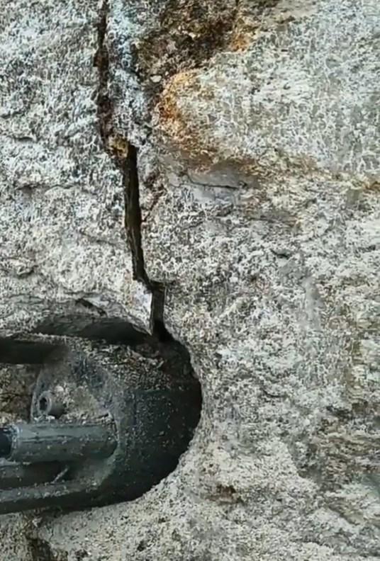 囹�a_【修路清除岩石设备机器订购电话】