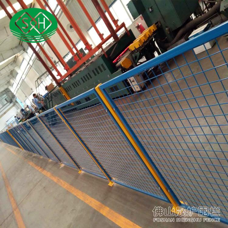 路中间铁丝网隔离栅 晟护车间隔离网 惠州生产设备安全护栏