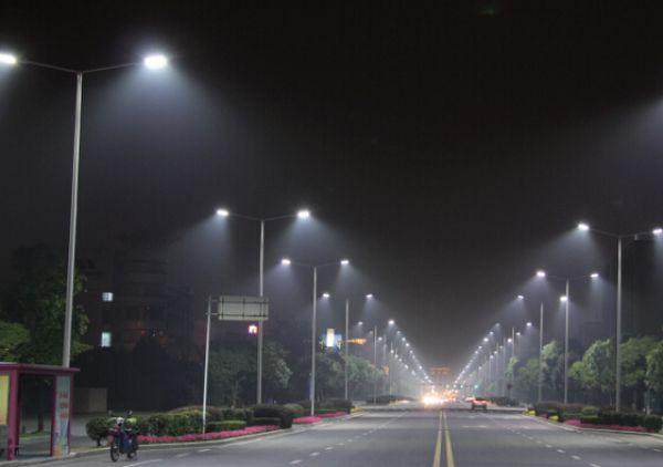 庆阳市庆城县人体感应地下车库灯灯杆多少钱