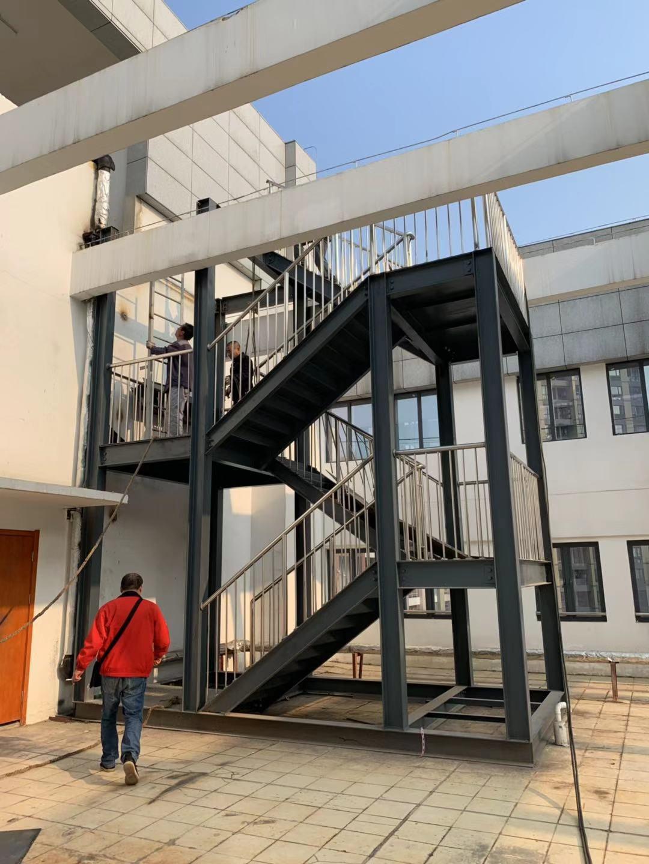 武汉钢结构房屋加固施工钢构技术