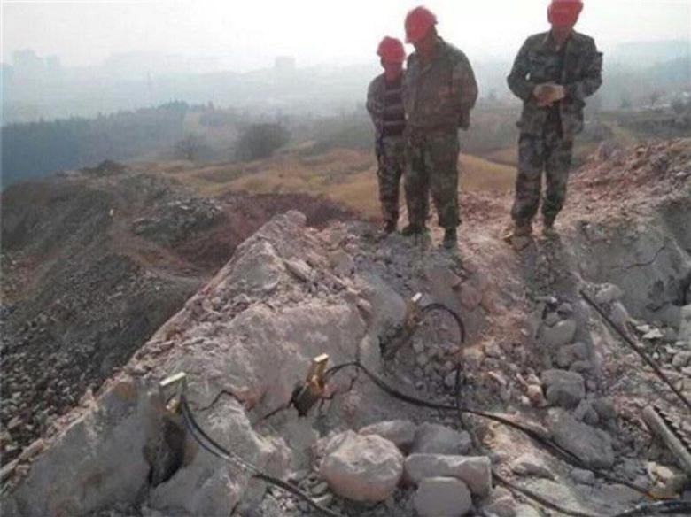 清远岩石基坑开挖破岩石大型机载劈裂机