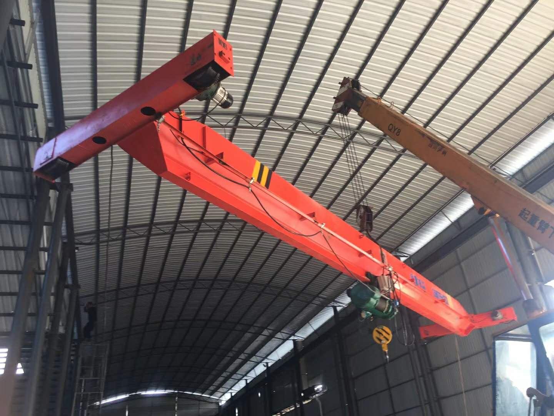 悬臂吊2t多少重,大连重工200吨航吊价格,5顿行吊怎么拆装下来