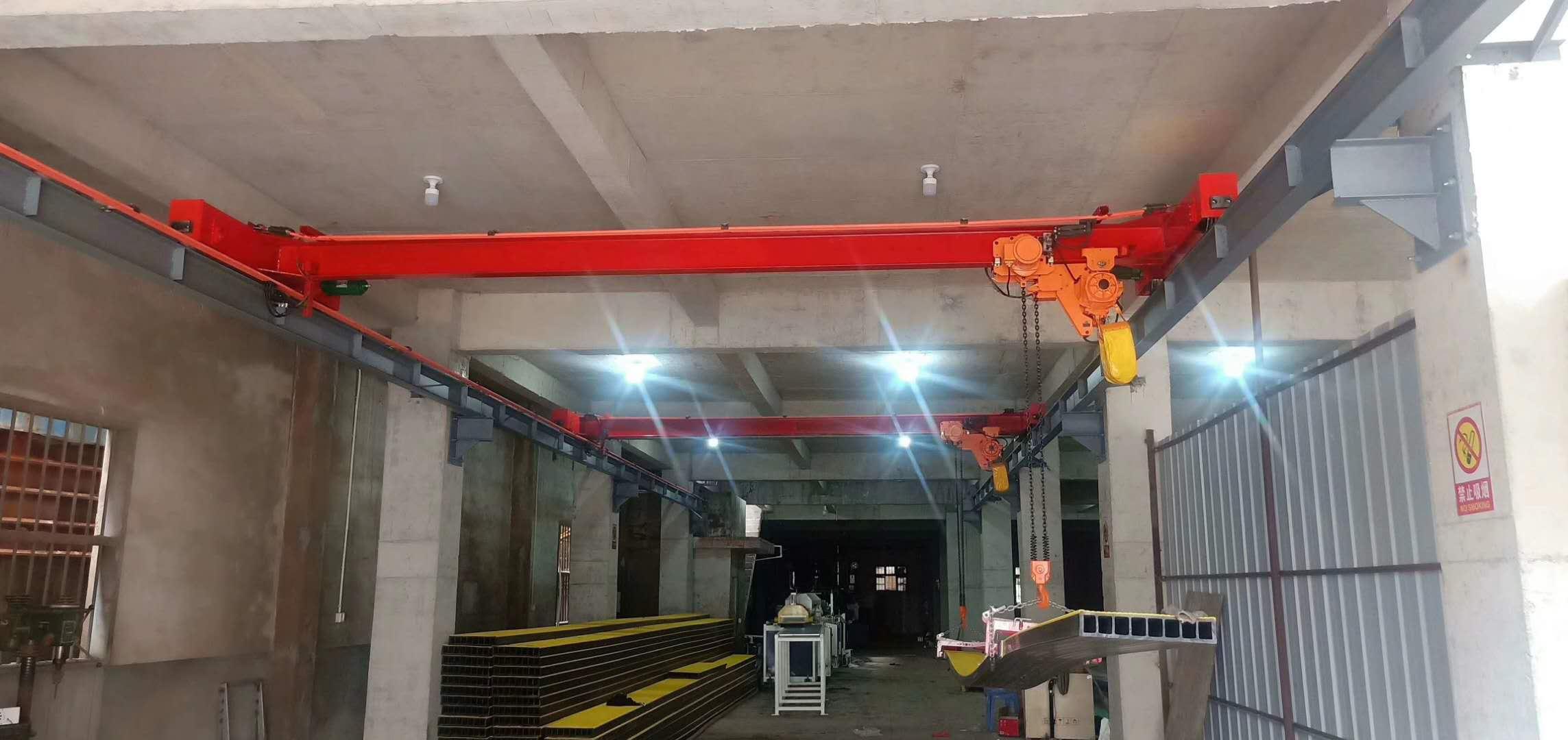 电机厂里的航吊,龙门吊100吨的多少钱,丰润航车生产企业
