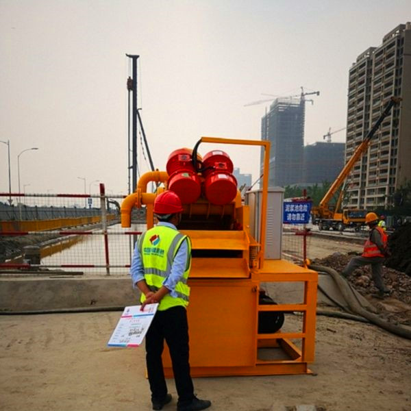 河道打桩工程污泥脱水设备工作原理