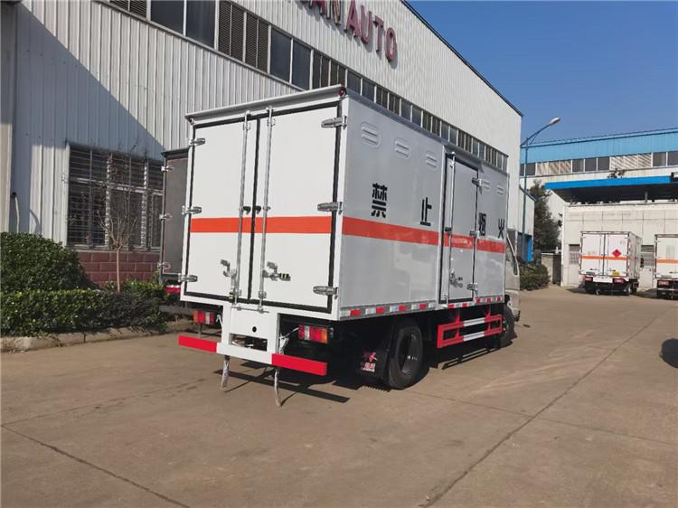 长沙解放单轴6.8米杂项危险品运输车价格优惠全国包送车